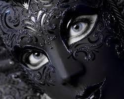 mascara ojos azules
